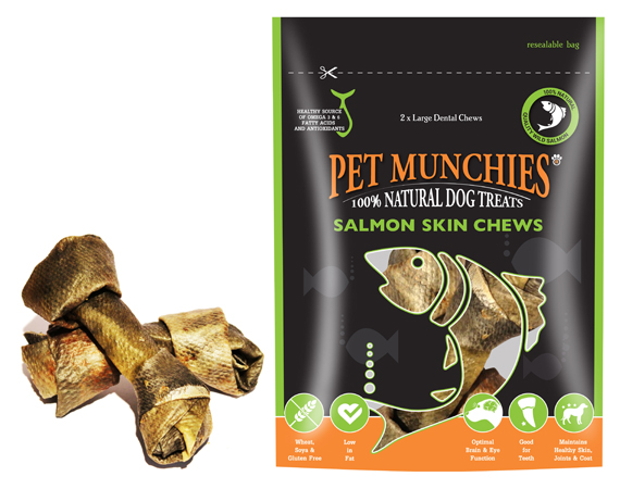 Snack cane pelle di salmone per l'igiene dentale